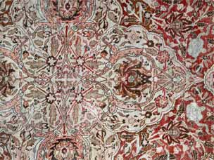 Tabriz carpet, approximately 410 x 310cm