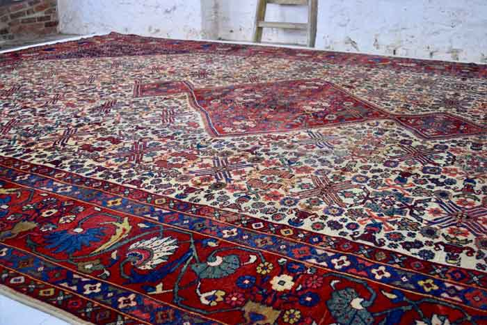 Sultanabad or Mahal carpet 573 x 362cm